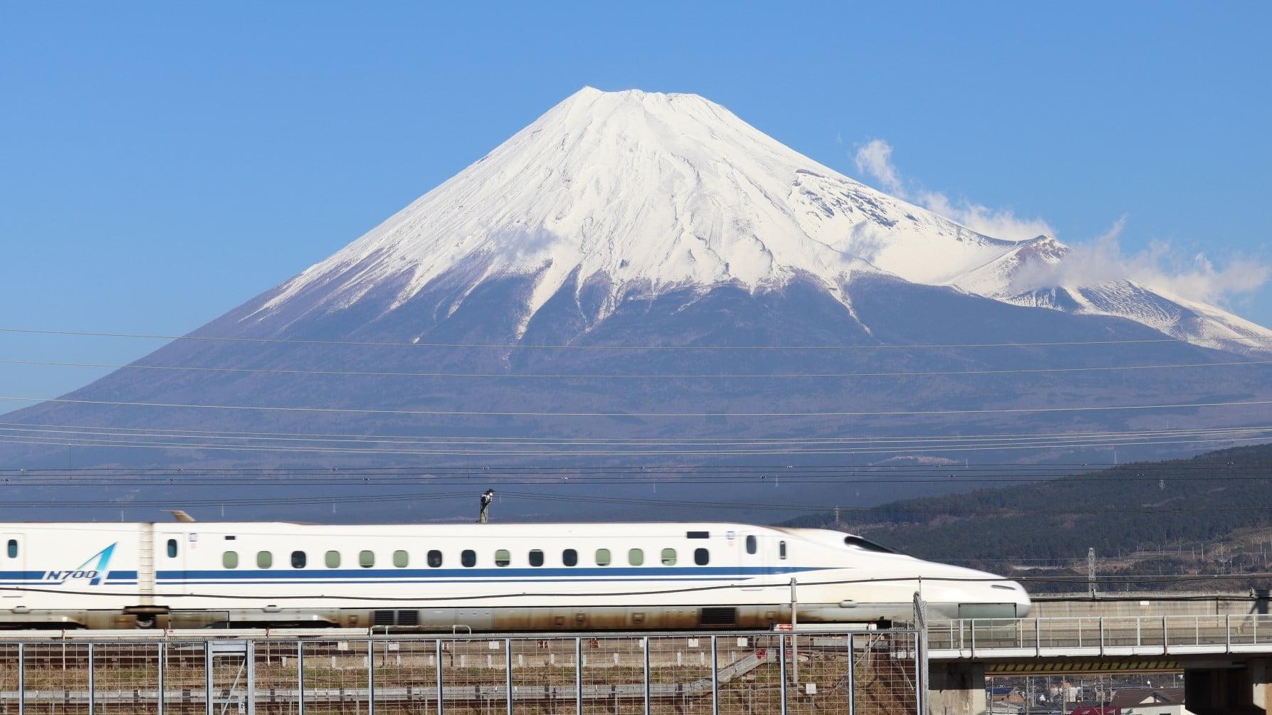 東海道新幹線と富士山